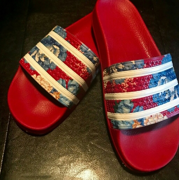 new arrival a564a 61606 adidas Shoes - ADIDAS RED FLORAL SLIDES SIZE 9 WOMEN